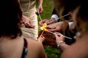 Vuurritueel bij trouwceremonie